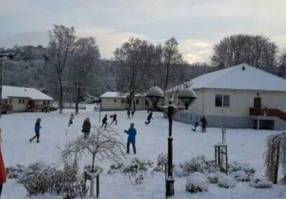 Adventsleir med vinterramme